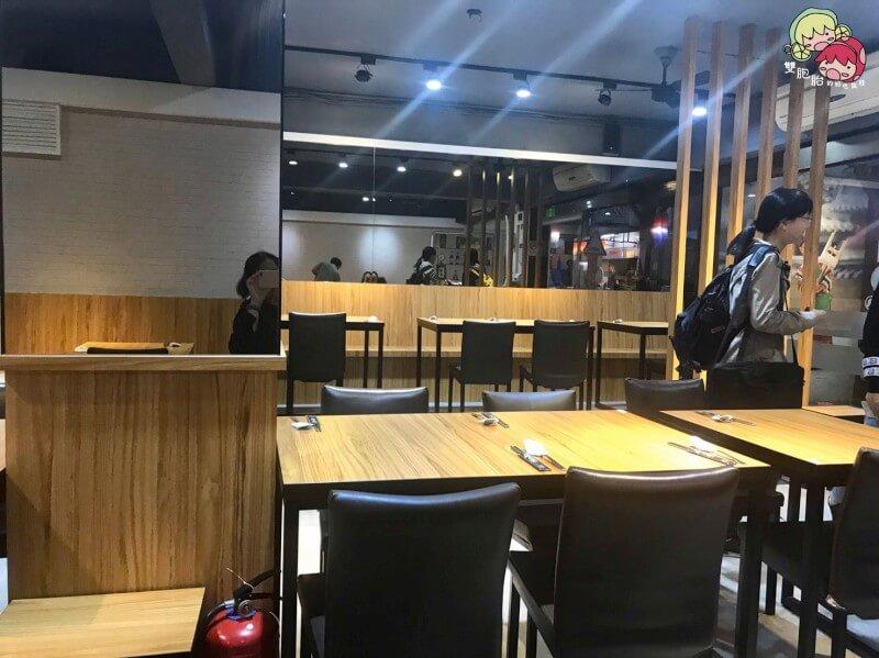 【公館美食】韓天閣,CP值爆棚的佛系韓式料理!小資族及學生首選,小菜、冰淇淋、飲料無限吃到爽~