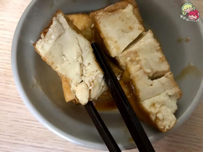 【中正紀念堂】金鋒滷肉飯,飄香二十年的好味道-油豆腐(2塊) $20