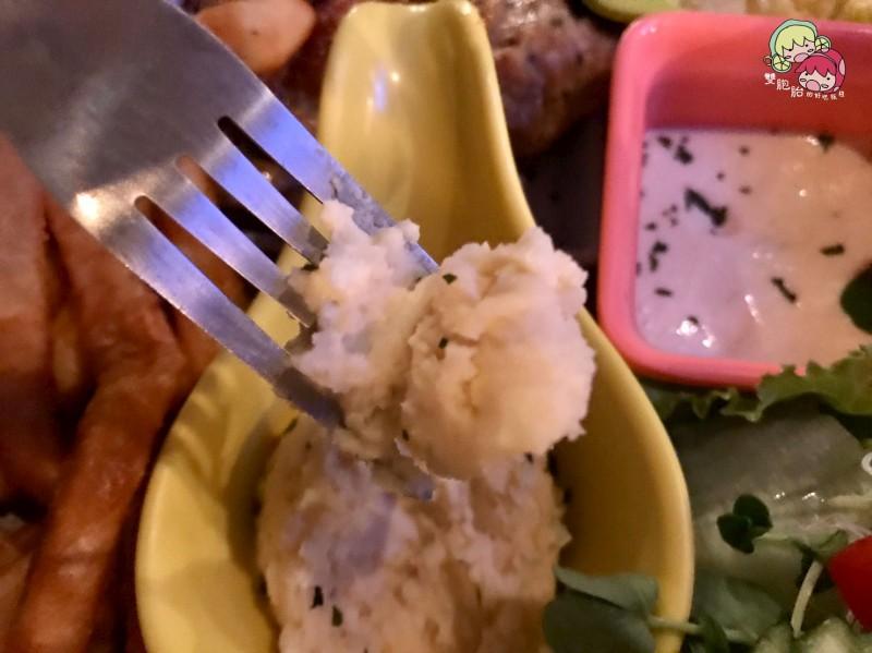 【松江南京】TankQ Cafe & Bar,迪士尼娃娃及漫威迷的天堂!超大份量早午餐(內附菜單)-香煎無骨雞排早午餐 $388