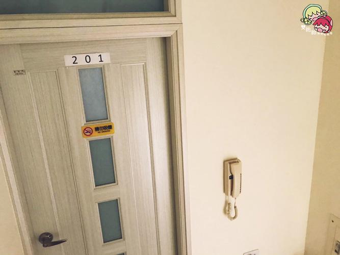 【台東住宿】二高輕旅,入住人數少的青年旅社,個人床舖空間寬敞隱密!臥室